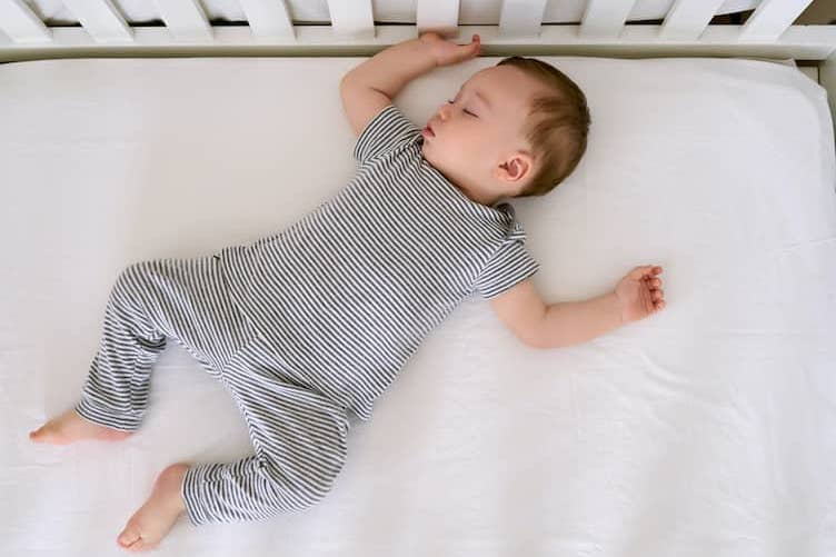 We Reviewed Soft and Safe Crib Mattress For Your Baby